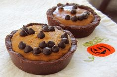Mini Pumpkin Pies with Chocolate Graham Crusts