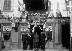 Το εστιατόριο «Το Βερδέν» στολισμένο για την υποδοχή του Βενιζέλου το 1916.