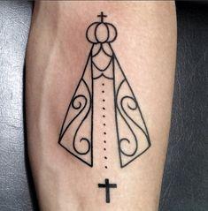 Gusttavo Lima faz nova tatuagem