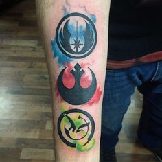 Jedi, Rebels and Yoda's crest 😁🙌🏽 buena onda por pedirme chivas de Star Wars! Rebellen Tattoo, Tattoo Life, Body Art Tattoos, Star Wars Rebel Tattoo, Batman Joker Tattoo, Jedi Symbol, Justin Tattoo, Tattoo Templates, Star Wars Fan Art