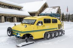 Yellowstone Snow Machines AKA A perfect art car for Frost Burn! Rv Truck, Trucks, Snow Toys, Snow Vehicles, Hors Route, Strange Cars, Snow Machine, Advanced Driving, Expedition Vehicle