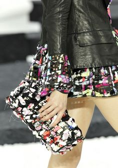 Chanel Clutch. Ladies fashion styles. Love!