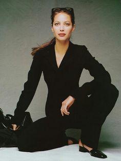 black suit /Christy Turlington