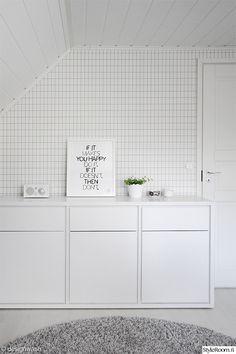Home office - Ferm Living wallpaper Grid Ferm Living Wallpaper, Grid Wallpaper, Tivoli Audio, Grid Design, White Rooms, Scandinavian Interior, Living Room Modern, Home Decor Styles, Trends