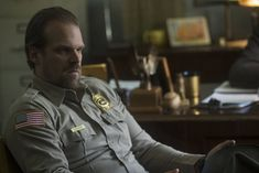 'Stranger Things' Star David Harbour On Darker Hopper In Magic But Different Season 2 David Harbour Stranger Things, Hopper Stranger Things, Cast Stranger Things, Stranger Things Season, Stranger Things Netflix, Star David, Father Figure, Dance Moves, Background Images