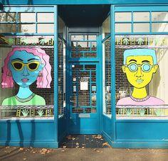 The opticians round the corner always have the best Windows!  By the great @lizzie_kingdom  #illustration #windowdisplay #shopwindow #setdesign #crouchend