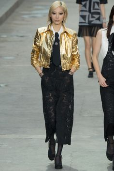 Spring 2015 Ready-to-Wear - Chanel