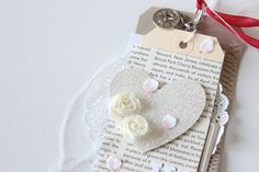 We love the shabby chic look of this tag.