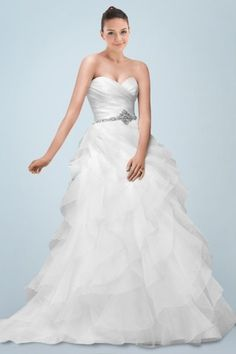 Unique Breezy Sweetheart Princess Bridal Gown Featuring Beaded Belt and Tiered Ruffle Skirt Ball Gown Wedding