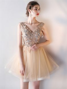 A-Line Appliques V-Neck Beading Pearls Mini Homecoming Dress