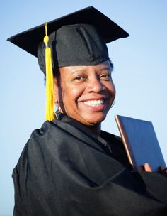 College Grants and Scholarships for Mothers
