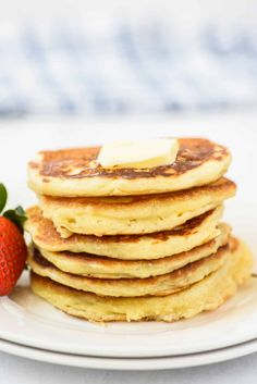 Light and fluffy Buttermilk Pancakes are the best thing to happen to your breakfast table. Drizzled with an easy berry syrup and served with a pat of warm butter, these flapjacks are pancake perfection. Buttermilk Pancakes Easy, Homemade Pancakes, Pancakes And Waffles, Breakfast Casserole, Breakfast Recipes, Breakfast Ideas, Light And Fluffy Pancakes, Pancake Toppings, Shugary Sweets