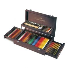 Faber-Castell Art & Graphic CollectionThis beautiful polished mahogany case contains a set of 36 Albert Durer watercolour pencils, 36 Polychromos pencils & 36 Polychromos artists' pastel pencils plus selected Pitt products. Colores Faber Castell, Lapis Faber Castell, Pastel Pencils, Watercolor Pencils, Colored Pencils, Artist Pencils, Wooden Case, Drawing Tools, Packing Tips