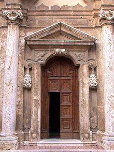 pictures of doors in italy | Doors in Italy. Photographer - Al Teich .