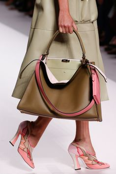 06b2107c78d Fendi Spring 2019 Ready-to-Wear Collection - Vogue Fashion Handbags,  Fashion Bags