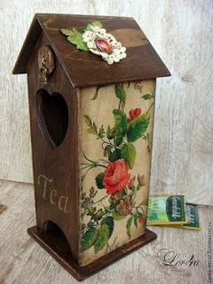 Hermosas casitas de cartón para guardar las bolsitas de té ~ lodijoella Vintage Box, Vintage Birds, Hobbies And Crafts, Diy And Crafts, Tea Holder, Bird Houses Painted, Decoupage Vintage, Tea Box, Wood Creations