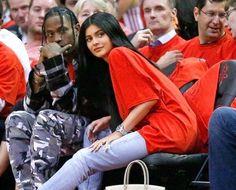Novo namorado de Kylie Jenner é preso nos EUA https://angorussia.com/entretenimento/famosos-celebridades/novo-namorado-kylie-jenner-preso-nos-eua/
