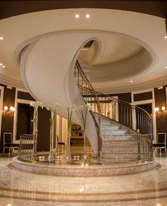 Wondrous Cool Tips: Contemporary Design Exterior mediterranean contemporary house. Luxury Staircase, Staircase Design, Marble Staircase, Winding Staircase, Curved Staircase, Spiral Staircases, Mansion Interior, Contemporary Interior, Contemporary Building