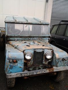 still runs ! Best 4x4, Land Rovers, Defenders, Land Rover Defender, Restore, Baby Blue, Cool Cars, Abandoned, Trains