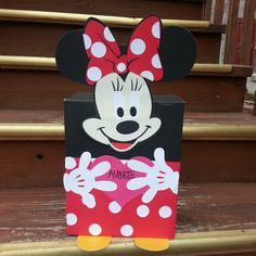 Minnie Mouse Valentines Box