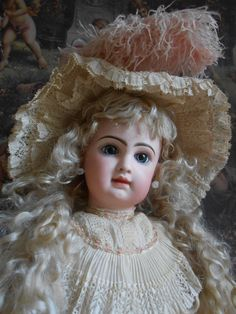 **Emile Douillet  French doll by JUMEAU....26 inches STUNNING !!!!!!