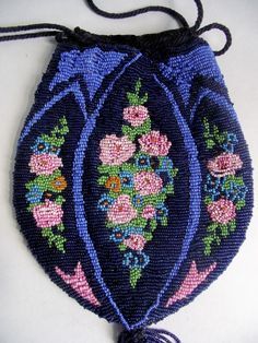 Antique 1920s Déco Glass Micro Beaded Purse Roses Floral Drawstring Flapper Bag