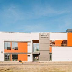 SeAMK, Rakennustekniikan laboratorio. Julkisivuverhous Equitone Tectiva ja Natura -julkisivulevyillä. Multi Story Building, Lab