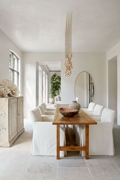 Narrow Dining Tables, Linen Dining Chairs, White Dining Room Table, Natural Wood Dining Table, Decoration Inspiration, Dining Room Inspiration, Decor Ideas, Minimalism Living, Kitchens And Bedrooms