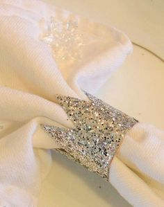 love these cute little glitter crowns! adorable as napkin holders and as place card holders. :) For a little girl's princess tea party birthday party? Princess Theme, Baby Shower Princess, Princess Birthday, Little Princess, Girl Birthday, Princess Sophia, Elmo Birthday, Princess Tutu, Birthday Ideas