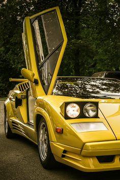 ♂ Bright yellow Car Lamborghini