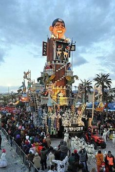 The Carnevale di Viareggio is one of the most magic and famous Carnival in Italy, do you know it? Discover its colours on  http://viareggio.ilcarnevale.com/ and live it http://www.italia361.com/en/package/116/italys-pearls-8-days/