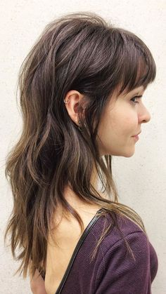 DIY Haar Tutorial Video DIY Haar Tutorial Video Langhaarmodelle verheerend coole Fransen lange Frisuren für # The po - Unique Long Hairstyles Ideas Full Fringe Hairstyles, Pretty Hairstyles, Long Shag Hairstyles, New Look Hairstyle, Full Bangs Hairstyle, Long Brunette Hairstyles, French Hairstyles, Layered Haircuts With Bangs, Woman Hairstyles