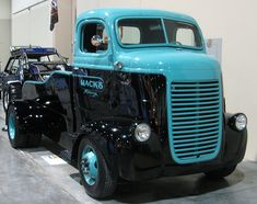 1942 Dodge COE custom dually pickup truck conversion using tow truck bed sides. Cool Trucks, Big Trucks, Cool Cars, Small Trucks, Semi Trucks, Tow Truck, Pickup Trucks, Truck Bed, Old Dodge Trucks