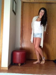 Barefoot sandal and long beige cardigan and jean shorts Lotus Design, Bfg, Beige Cardigan, Bare Foot Sandals, Barefoot, Jean Shorts, Fancy, My Style, Outfits