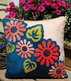 Pop art Posies Wool applique design shown as pillow, but could be wall hanging quilt pattern features design of fanciful flowers appliqued in vibrant butter soft wool - Wool Applique Patterns, Applique Pillows, Applique Fabric, Wool Pillows, Felt Applique, Applique Designs, Quilt Patterns, Throw Pillows, Cushions