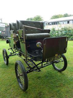 1900 Locomobile Surrey by Terry Pinnegar Photography, via Flickr