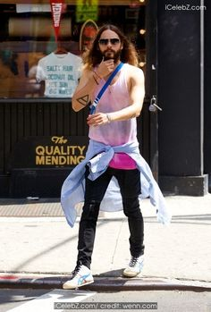 Jared Leto  spotted walking around Nolita http://icelebz.com/events/jared_leto_spotted_walking_around_nolita/photo1.html