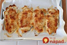 """OMG Chicken"" Just mix Sour Cream or Yogurt c) and parm cheese c). Spread over chicken breast in a baking dish, sprinkle italian bread crumbs on top and bake for minutes. - OMG Chicken Just mix Sour Cream or Yogurt c) and parm ch Think Food, I Love Food, Good Food, Yummy Food, Tasty, Great Recipes, Dinner Recipes, Favorite Recipes, Amazing Recipes"