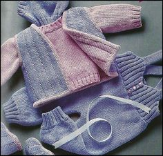 MODÈLES POUR BÉBÉS Baby Girl Patterns, Baby Knitting Patterns, Tricot Baby, Baby Dungarees, Pull Bebe, Baby Layette, Crochet Magazine, Knitting For Kids, Baby Size