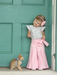 Pants Sewing Pattern.. : ) freaking adorbs!!! Someone make these for my Emmie!!!
