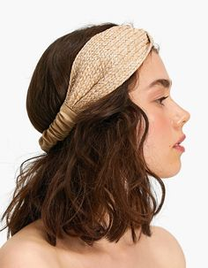 Fall in love with the new women's collection from Stradivarius. Discover the latest trends in clothes, accessories and shoes for Autumn/Winter Get inspired! Head Accessories, Headband Hairstyles, Hair Jewelry, Headdress, Head Wraps, Hair Band, Hair Trends, Hair And Nails, Home