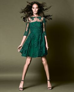 Monique Lhuillier emerald cocktail dress | pre-order here: http://rstyle.me/n/m7qussque