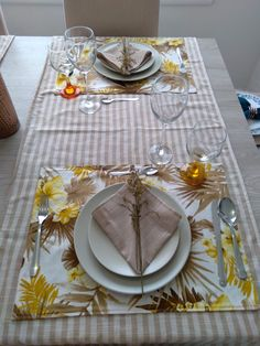 Table Settings, Tablecloths, Crocheting, Place Settings