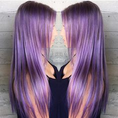 "Hot on Beauty no Instagram: ""Long Lavender Locks by @syd_viicious #pastelhair #lavenderhair #hotonbeauty #hairtalk #featurepage"""