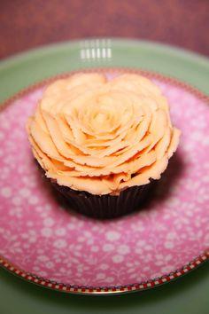 Rhosyn / Rose cupcake