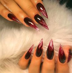 Try some of these designs and give your nails a quick makeover, gallery of unique nail art designs for any season. The best images and creative ideas for your nails. Holloween Nails, Halloween Acrylic Nails, Best Acrylic Nails, Cute Halloween Nails, Funny Halloween, Goth Nails, Goth Nail Art, Gypsy Nails, Stelleto Nails