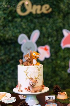 Woodland Animal Birthday Party in 2020 Baby Girl Birthday Cake, Themed Birthday Cakes, First Birthday Cakes, Themed Cakes, Birthday Parties, Birthday Celebration, 2 Year Old Birthday Cake, 19th Birthday, Birthday Outfits