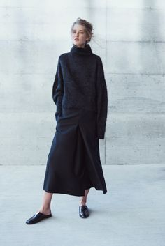 32 ideas fashion outfits women winter minimal classic for 2019 Fall Fashion 2016, Look Fashion, Winter Fashion, Fashion Design, Street Fashion, All Black Fashion, Fashion Mode, Womens Fashion, Fashion Trends