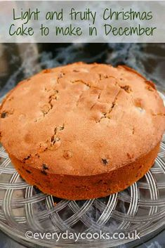A light fruity Christmas Cake that doesn't need maturing. Make it on Chistmas Eve if necessary! A light, moist Christmas Cake that you can make on Christmas Eve and will keep for 6 weeks. Christmas Cake Designs, Christmas Cake Pops, Christmas Cake Decorations, Christmas Sweets, Christmas Cooking, Christmas Fruitcake, Christmas Eve, Best Christmas Cake Recipe, Holiday Cakes