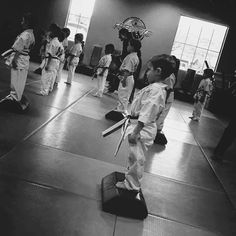Jessica is back today discussing her parenting style when it comes to extracurricular activities. More specifically, her experience enrolling her son in a martial arts program at age 4. When and where to start enrolling your kids in activities has to be one of the most personal choices of parenting. There doesn't actually seem to be a …